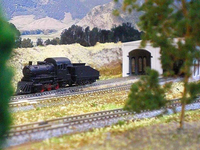Lokomotive No.1 vor dem Lokschuppen
