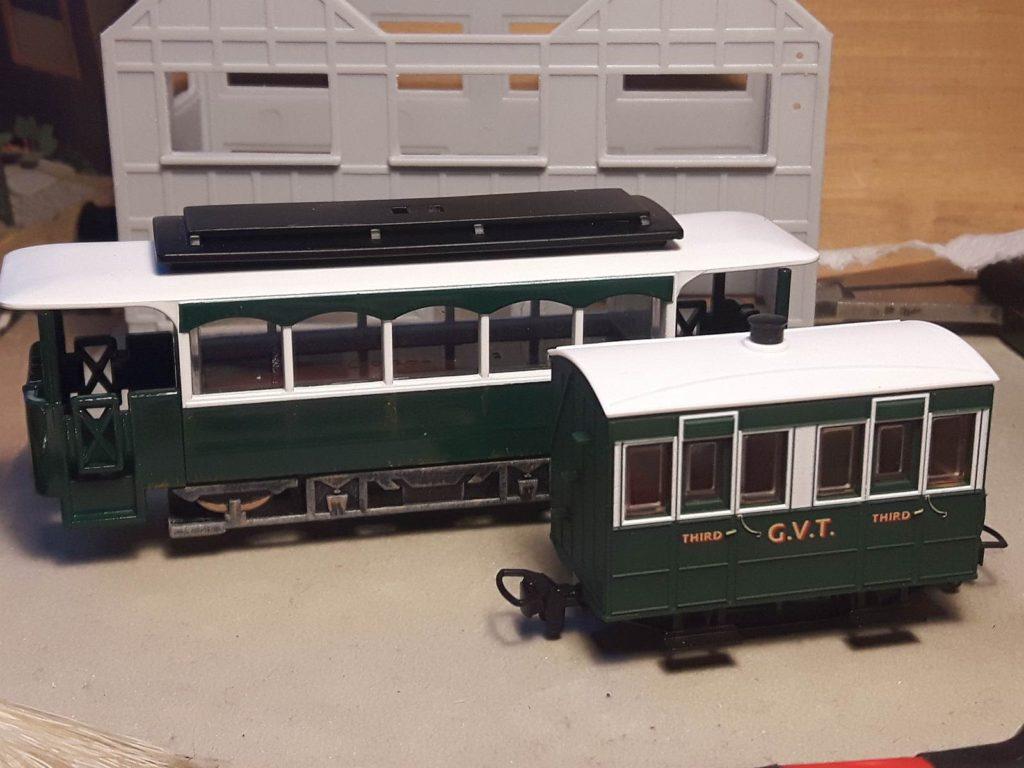 Railcar fertig lackiert.